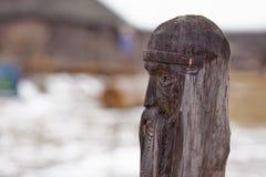 Ídolo de madera eslavo Imagenes de archivo