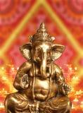 Ídolo de oro de señor hindú Ganesh Blessing Everyone Fotografía de archivo libre de regalías