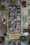 Ímãs da lembrança, feitos à mão pelo carpinteiro, em março de 2019 foto de stock