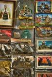 Ímãs das lembranças com vistas de St Petersburg Fotos de Stock