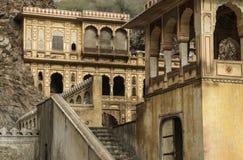 Índia do templo de Galta ou do templo dos macacos de Galtaji foto de stock