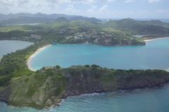 Índias Ocidentais, as Caraíbas, Antígua, vista sobre a baía profunda Foto de Stock Royalty Free
