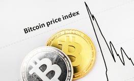 Índice de preços de Bitcoin no papel imagem de stock