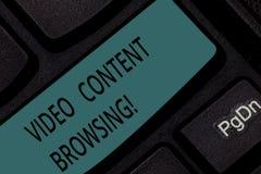 Índice video do texto da escrita que consulta Significado do conceito que desnata através do índice video a fim satisfazer a chav fotos de stock