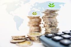 Índices financieros comunes con la moneda y la calculadora de la pila Financia Fotografía de archivo
