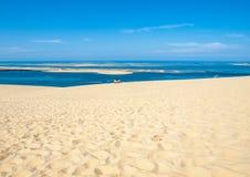 Άποψη από τον αμμόλοφο Pilat, ο πιό ψηλός αμμόλοφος άμμου στην Ευρώπη Λα teste-de-Buch, κόλπος του Αρκασόν, Aquitaine στοκ φωτογραφίες με δικαίωμα ελεύθερης χρήσης