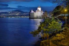 Άποψη βραδιού διάσημος Chateau de Chillon στη λίμνη Γενεύη μια από την Ελβετία στοκ φωτογραφία