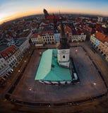 Άποψη κηφήνων σχετικά με το Δημαρχείο στο τετράγωνο αγοράς του Gliwice στοκ φωτογραφίες