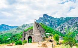 Άποψη σχετικά με το μοναστήρι Akhtala στο φρούριο Prnjak Akhtala - στο φαράγγι του ποταμού Debed στην περιοχή της Lori, Armeni στοκ εικόνα με δικαίωμα ελεύθερης χρήσης