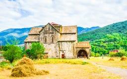 Άποψη σχετικά με το μοναστήρι Akhtala στο φρούριο Prnjak Akhtala - στο φαράγγι του ποταμού Debed στην περιοχή της Lori, της Αρμεν στοκ φωτογραφίες