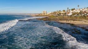 Άποψη της ακτής άνωθεν στη Λα Χόγια, Καλιφόρνια στοκ εικόνες