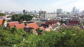 Άποψη της Μπανγκόκ πάνω από Wat Sraket Rajavaravihara το χρυσό βουνό απόθεμα βίντεο