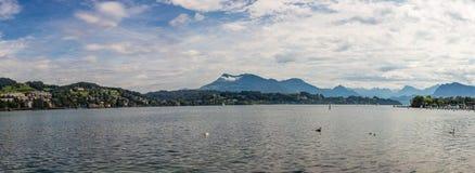 Άποψη Paniramic σχετικά με Λουκέρνη και τη λίμνη Λουκέρνη, Ελβετία στοκ εικόνα με δικαίωμα ελεύθερης χρήσης