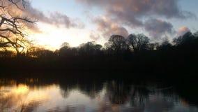 Ήλιος κάτω στο πάρκο Roundhay στοκ εικόνα