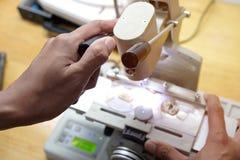 Αλέστε το φακό eyeglass στοκ φωτογραφίες με δικαίωμα ελεύθερης χρήσης
