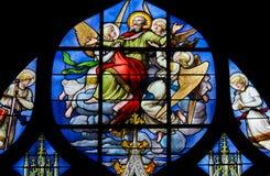Ανάβαση Αγίου Peter - λεκιασμένο γυαλί στο ST Severin, Παρίσι στοκ εικόνες