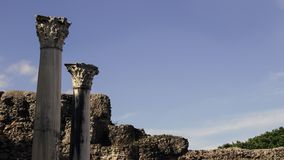 Αρχαία σύνθετα ρωμαϊκά κεφάλαια στοκ εικόνα με δικαίωμα ελεύθερης χρήσης