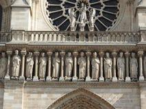 Αρχιτεκτονικές λεπτομέρειες της Παναγίας των Παρισίων Καθεδρικός ναός της Notre Dame - ο διασημότερος γοτθικός Ρωμαίος - καθολικό στοκ εικόνες