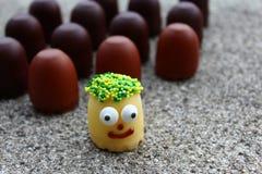 Αστείοι χαιρετισμοί με τα γλυκά στοκ εικόνα