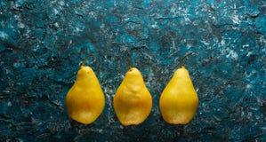 αχλάδια ώριμα τρία στοκ εικόνες