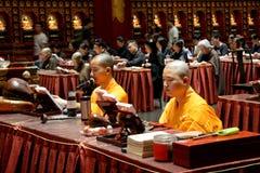 Βουδιστικοί μοναχοί, Σιγκαπούρη στοκ φωτογραφία με δικαίωμα ελεύθερης χρήσης