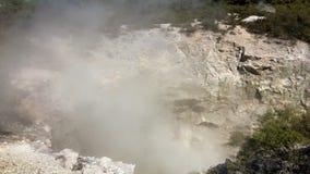 Γεωθερμικός κρατήρας σε Rotorua, Νέα Ζηλανδία απόθεμα βίντεο