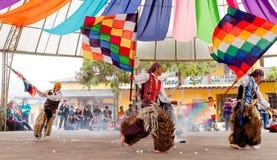 Γηγενείς χορευτές του Ισημερινού στοκ εικόνα με δικαίωμα ελεύθερης χρήσης