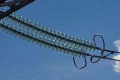 Γιρλάντα των υψηλής τάσεως μονωτών γυαλιού στοκ εικόνες με δικαίωμα ελεύθερης χρήσης