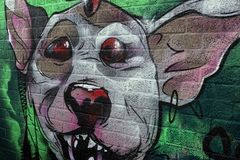 Γκράφιτι, στους οδικούς concret φραγμούς στοκ εικόνες με δικαίωμα ελεύθερης χρήσης