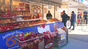 Γλυκά Μότσαρτ στην αγορά του Σάλτζμπουργκ, Αυστρία απόθεμα βίντεο