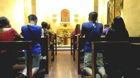 γονατίστε προσεύχεται στοκ φωτογραφία με δικαίωμα ελεύθερης χρήσης