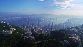 Γραφικό εναέριο πανόραμα εικονικής παράστασης πόλης κηφήνων της αστικής πόλης Χονγκ Κονγκ αρχιτεκτονικής φιλμ μικρού μήκους