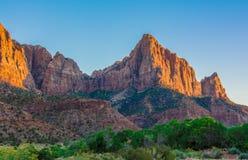 Εθνικά βουνά πάρκων Zion στοκ εικόνα με δικαίωμα ελεύθερης χρήσης