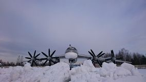 Ελικόπτερα αγώνα της Ρωσίας στις οδούς στο μουσείο Monino στοκ εικόνες
