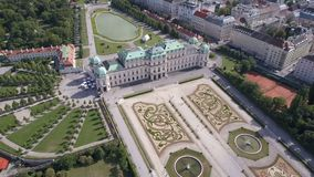 Εναέρια άποψη του παλατιού πανοραμικών πυργίσκων φλέβα Βιέννη Wien australites φιλμ μικρού μήκους