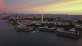 Εναέρια άποψη Petropavlovskaya krepost της Άγιος-Πετρούπολης φιλμ μικρού μήκους