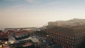 Εναέρια άποψη sailboats στη μαρίνα στη Νάπολη, Ιταλία απόθεμα βίντεο