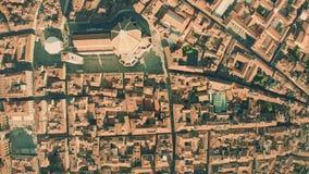 Εναέρια κορυφή κάτω από την άποψη του Di Σάντα Μαρία del Fiore, κύριο ορόσημο καθεδρικών ναών ή Cattedrale της Φλωρεντίας, Ιταλία απόθεμα βίντεο