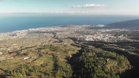 Εναέριος πυροβολισμός Ασυνήθιστη φύση του εθνικού πάρκου Ισπανία, Κανάρια νησιά, Tenerife φυσικό φως του ήλιου σειράς βουνών σύνθ φιλμ μικρού μήκους