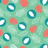 Εξωτικά φύλλα σε ένα πράσινο υπόβαθρο Τροπικό σχέδιο με τα φύλλα μπανανών ελεύθερη απεικόνιση δικαιώματος