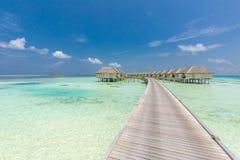 Εξωτικός παράδεισος Ταξίδι, τουρισμός και έννοια διακοπών Τροπική μπλε θάλασσα θερέτρου και απείρου, Μαλδίβες στοκ εικόνες