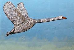 Ζωηρόχρωμος πετώντας κύκνος μωσαϊκών στοκ εικόνα με δικαίωμα ελεύθερης χρήσης