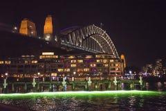 Ζωηρό φεστιβάλ, ελαφριά προβολή, λιμενική γέφυρα, Σίδνεϊ, Αυστραλία στοκ φωτογραφίες