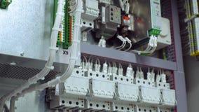 Ηλεκτρική περίφραξη πινάκων ελέγχου για την ηλεκτρική ενέργεια δύναμης και διανομής Συνεχής, ηλεκτρική τάση 4K απόθεμα βίντεο