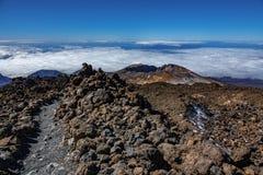 Ηφαίστειο viejo Pico και προετοιμασμένος πραγματοποιώντας οδοιπορικό τη διαδρομή στοκ φωτογραφίες με δικαίωμα ελεύθερης χρήσης