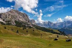 Η άποψη της ομάδας Sella και Gardena περνούν ή Grodner Joch, δολομίτες, Ιταλία στοκ φωτογραφία με δικαίωμα ελεύθερης χρήσης