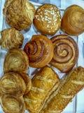 Η επίδειξη αγαθών αρτοποιείων στα λατίνα τρόφιμα Sabor παρουσιάζει στοκ φωτογραφίες με δικαίωμα ελεύθερης χρήσης