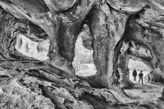 Η κύρια σπηλιά Stadsaal στα βουνά Cederberg μονοχρωματικός στοκ φωτογραφίες με δικαίωμα ελεύθερης χρήσης