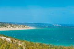 Θυελλώδης παραλία του Gregory στη δυτική Αυστραλία με τους αμμόλοφους άμμου στο πρώτο πλάνο στοκ φωτογραφίες με δικαίωμα ελεύθερης χρήσης