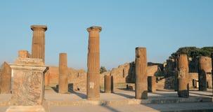 Ιταλία Πομπηία Παραμένει αρχαίο να στηριχτεί Comitium στο έδαφος του φόρουμ της Πομπηίας απόθεμα βίντεο